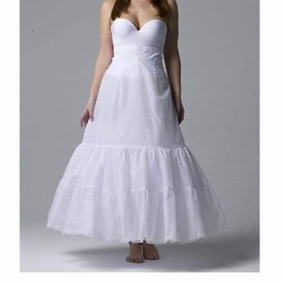 David's Bridal Other - Plus size A-line 2 tiered slip with tulle fill